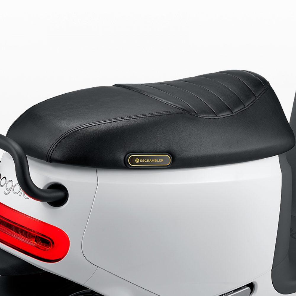 g2_caterpillar_vintage_seat_large